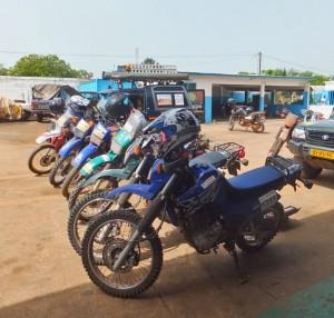 De Desert Beagle en off-road motoren voor Riders